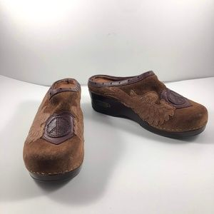 Lucky Brand Clogs Leather Peace Sz 8 Brown Lined